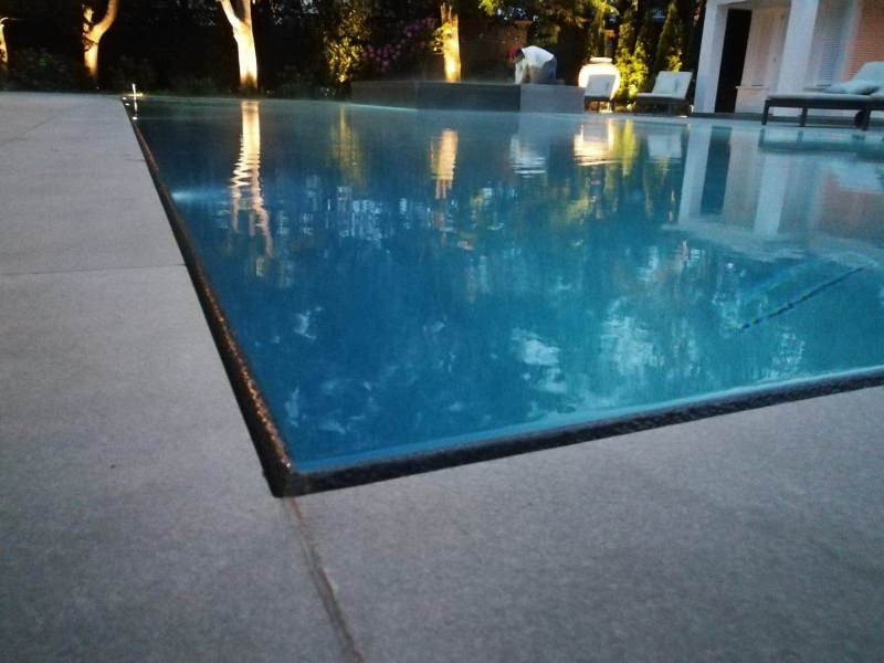 pool-edge